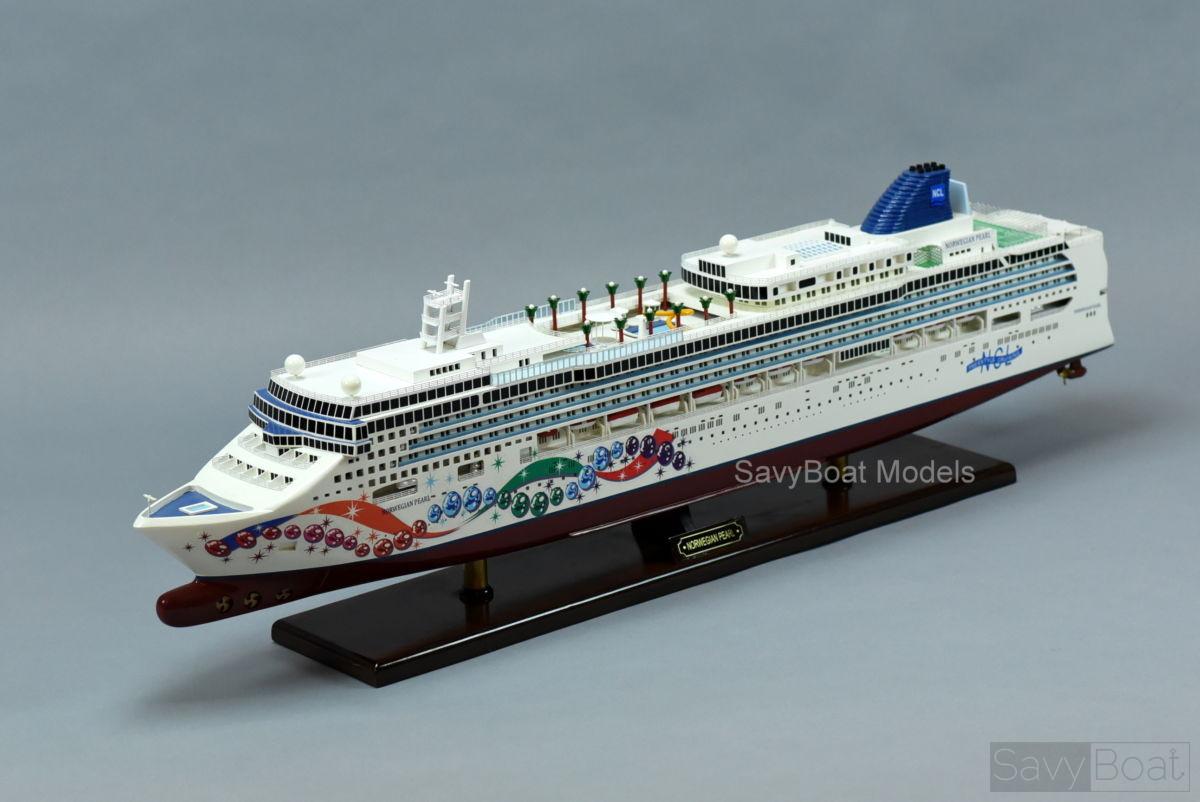 Norwegian Pearl - Handcrafted Wooden Model Boat | SavyBoat