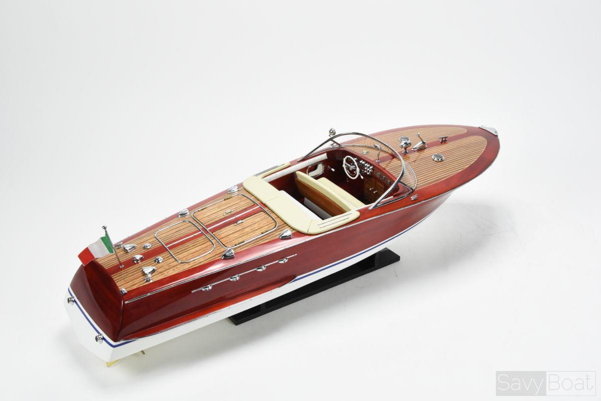 Riva Tritone | SavyBoat