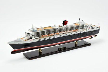 Queen Mary 2 ship model