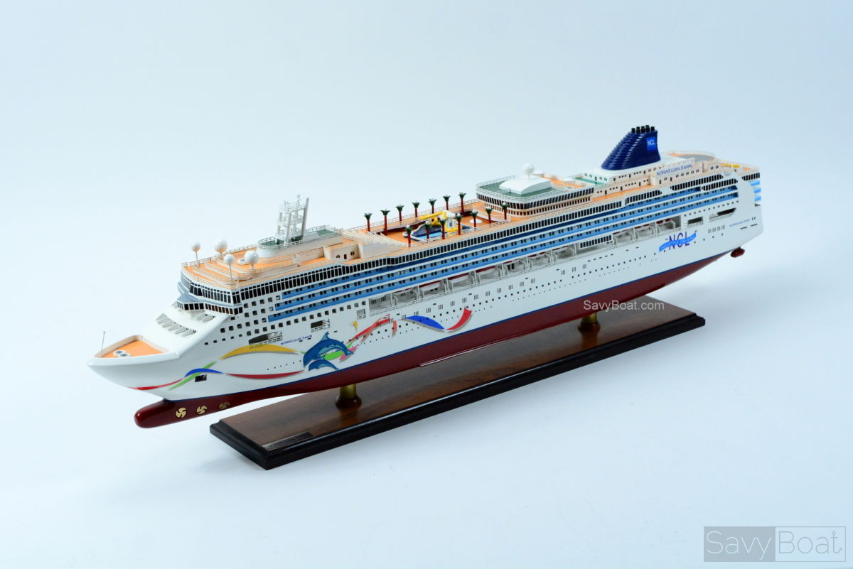 Norwegian Dawn - Handcrafted Wooden Model Boat | SavyBoat