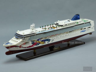 Norwegian Jewel ship model